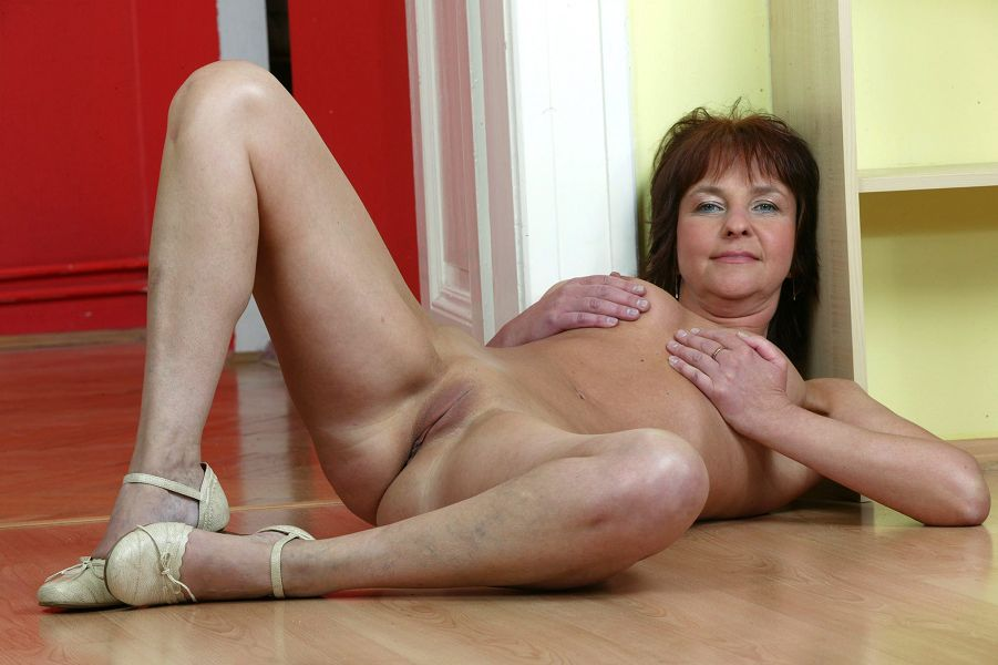 Www.olderwomanfun.com