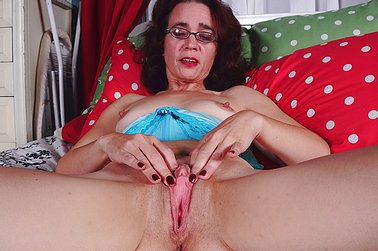 Older Woman Fun - For the sexiest older ladies